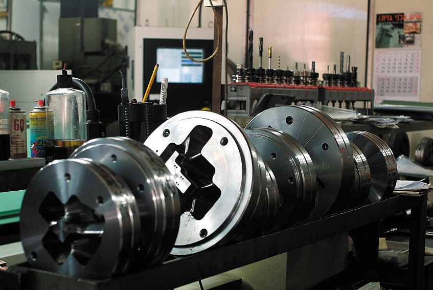 Aluminium extrusion dies